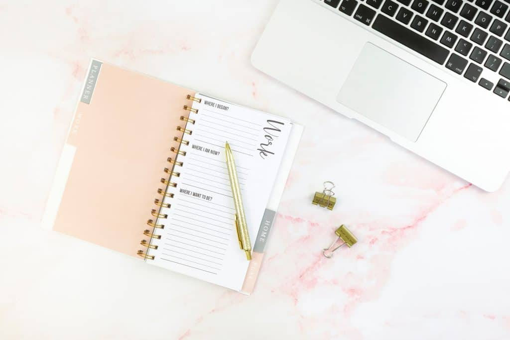 freelance social media flexible jobs quit your day job